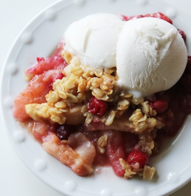 Apple Crumble with Pear & Cranberry